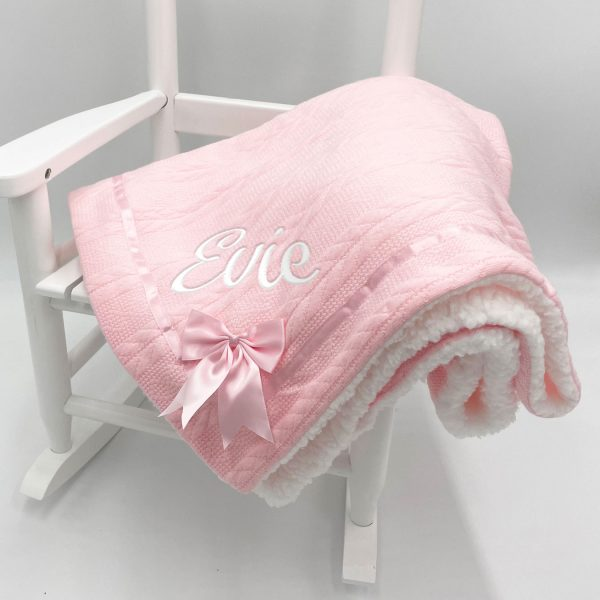pink-blanket-with-bow
